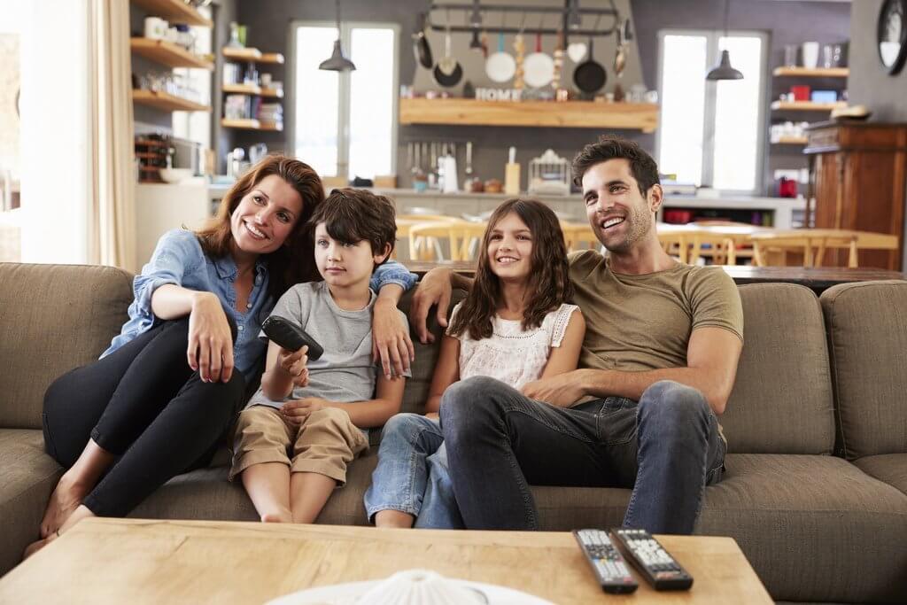 So empfängt man HD-Fernsehen in Österreich iStock-807350048