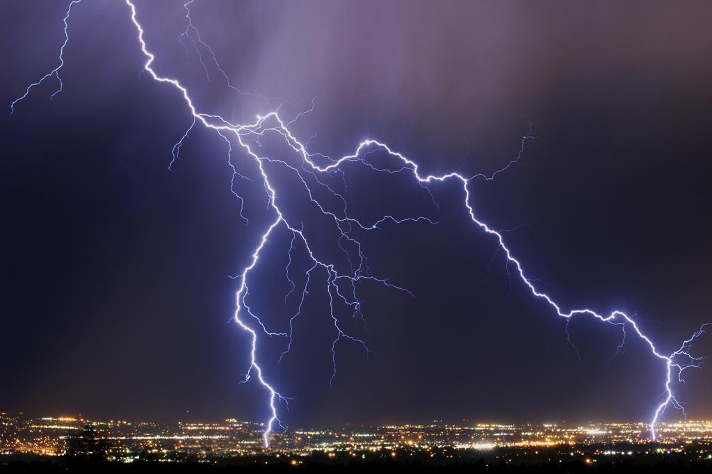 Fernsehen bei Gewitter: Gefährlich oder nicht?
