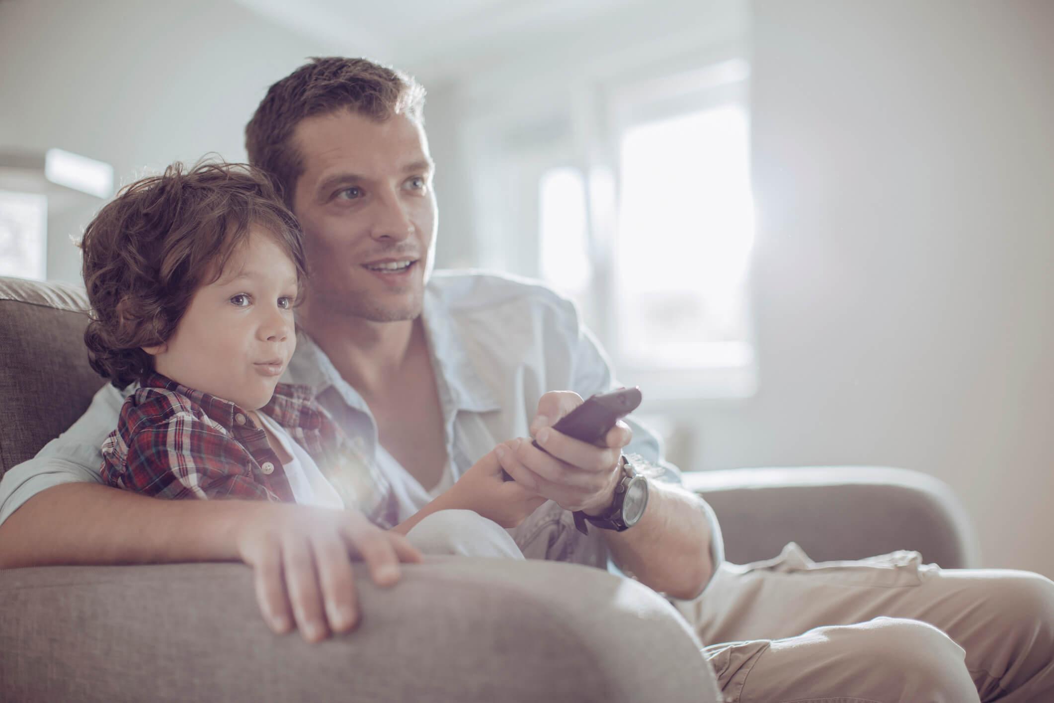 so ermittelst du den optimalen abstand zum fernseher hd austria blog. Black Bedroom Furniture Sets. Home Design Ideas