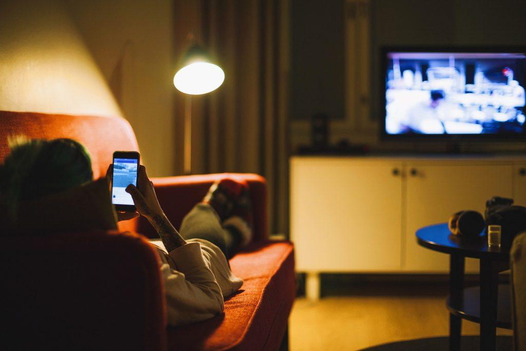 Sharen, schwärmen, schimpfen TV und die Sozialen Medien