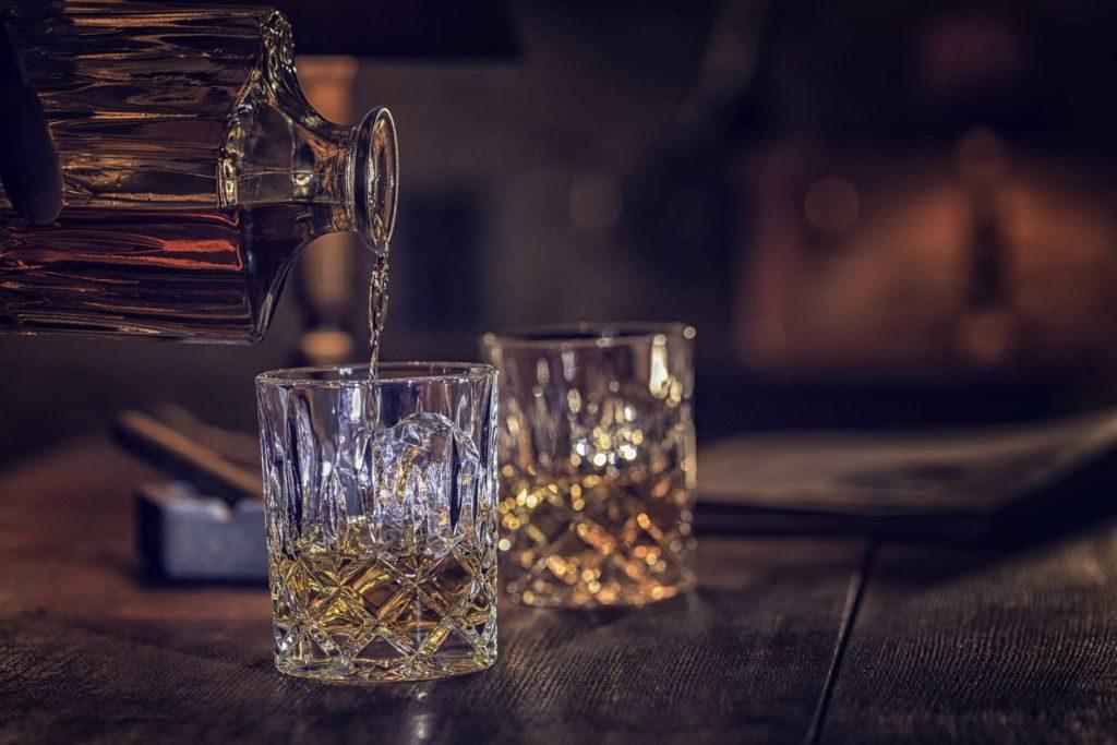 Alkohol in Filmen: So viel wird in Hollywoodfilmen getrunken